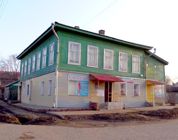 ул. Красная, 74.