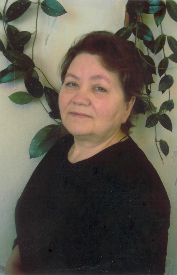 Нина Дмитриевна Плотникова (р. 25 марта 1948 г.).