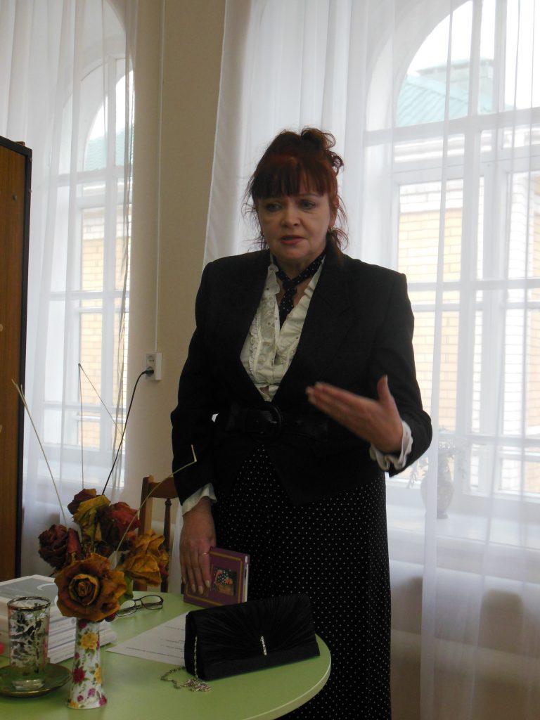 Лариса Анатольевна, сестра поэтессы Светланы Сырневой