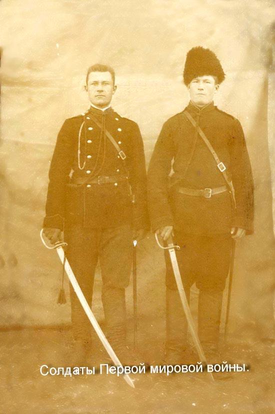 Горелов Степан Михеевич (справа)