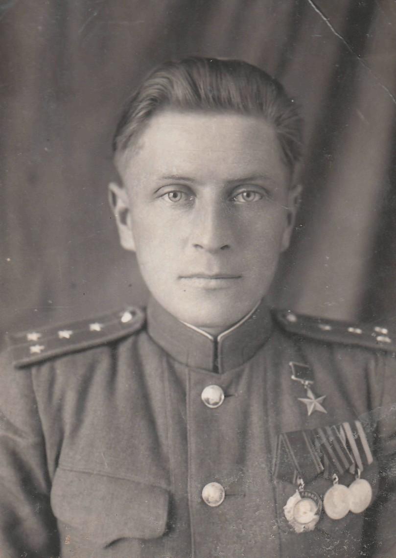 Яков Урванцев. Фото последних лет войны.