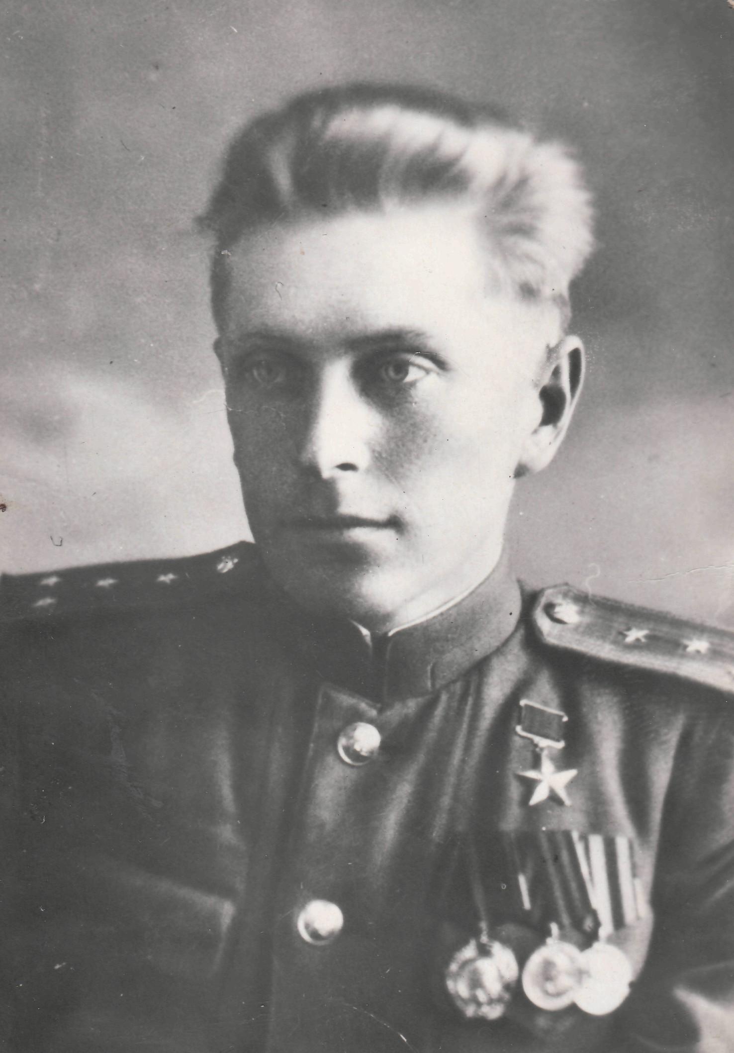 Яков Урванцев с наградами.